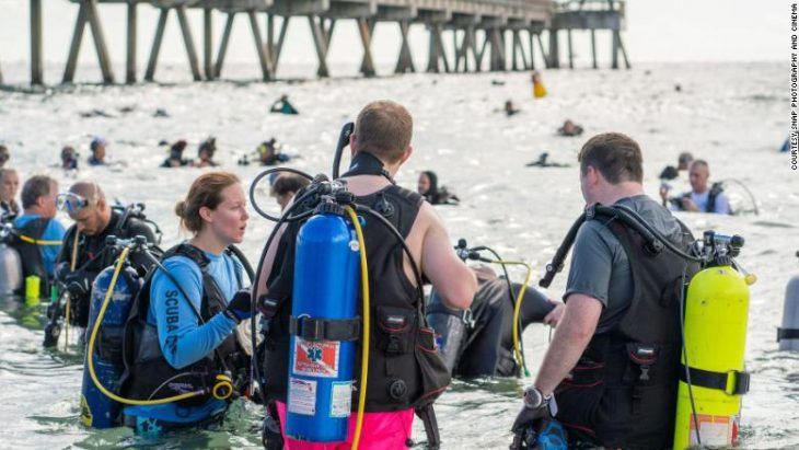Divers set world record for underwater clean up